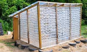 Теплицы из поликарбоната шириной 2 м: виды, конструкции, описания, изготовление из подручных материалов, способы монтажа