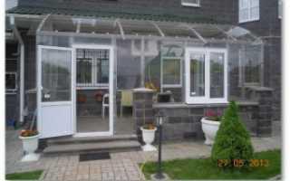Остекление веранды поликарбонатом: как сделать открывающиеся окна своими руками, как застеклить постройку монолитным материалом, фото