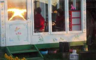 Раздвижные окна для беседки из поликарбоната: как застеклить своими руками, порядок сборки и установки окон