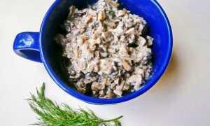 Шампиньоны тушёные в сметане, классический рецепт с фото пошагово, калорийность на 100 г